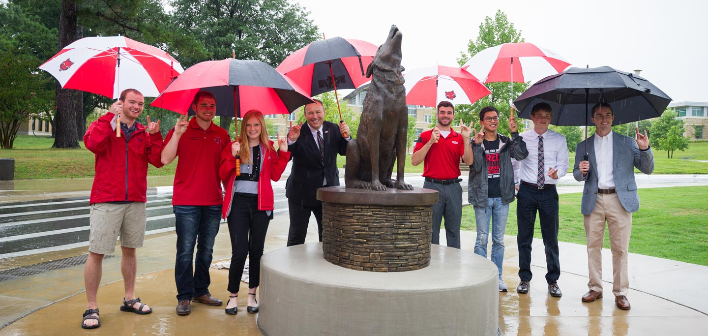 Red Wolf Statue Unveiled on A-State Campus